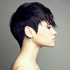 Tiesūs ir išraiškingi plaukai